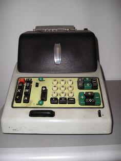 Landline Phone, Kitchen Appliances, Tecnologia, Diy Kitchen Appliances, Home Appliances