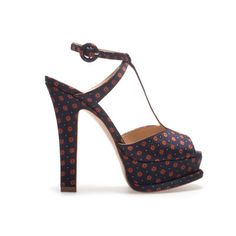 Sandale Zara femei din colectia primavara 2013 - Style And The City Blue Sandals Heels, Ankle Strap Sandals, Shoes Heels, Pumps, Zara Shoes, T Strap, Me Too Shoes, Fashion Shoes, Platform