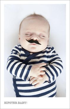 @TriciaKaelin PLEASE take a newborn picture like this!