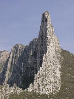 NUEVO LEON (Monterrey): Cañón La Huasteca, (parque nacional, very close to) Monterrey, Nuevo León state, México.