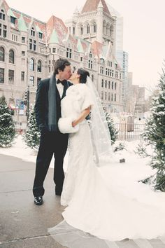 Cute Winter Idea Photo by Chris K. #MinneapolisWeddingPhotographers #WinterWedding #WeddingIdeas