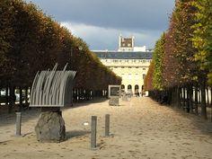 Palais Royal Gardens - Sculpture by Thierry Courtadon