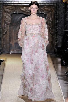 Valentino Spring 2012 Couture Collection Photos - Vogue#29
