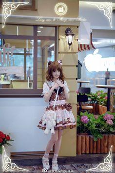 Cat Lolita Japanese Models, Japanese Fashion, Human Doll, Gothic Lolita Fashion, Gyaru, Latex Fashion, Pretty And Cute, Lolita Dress, Cute Outfits