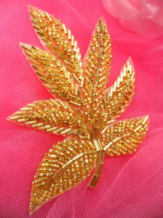 Wonderful Ribbon Embroidery Flowers by Hand Ideas. Enchanting Ribbon Embroidery Flowers by Hand Ideas. Pearl Embroidery, Bead Embroidery Patterns, Tambour Embroidery, Couture Embroidery, Simple Embroidery, Bead Embroidery Jewelry, Silk Ribbon Embroidery, Hand Embroidery Designs, Beading Patterns