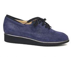 Nora's Shoe Shop : Brunate '11073' lace-up flat in plum