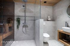 Ulkonurkat jiirattu. Lasiseinät - kirkas rautavapaa. Bathtub, Bathroom, Standing Bath, Washroom, Bath Tub, Bath Room, Tubs, Bathrooms, Bathtubs