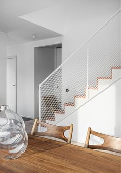 12 Beautiful Staircase Ideas to Make Yours Stand Out - The Trending House Staircase Railings, Curved Staircase, Staircase Design, Bannister, Interior Stairs, Home Interior Design, Interior Architecture, Metal Stairs, Modern Stairs