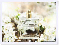 Ob Lavendel, Minze, Salbei oder Rosen - mit dem DIY-Rezept könnt Ihr Parfüm ganz leicht nach Eurem Geschmack selber machen. Probiert es mal aus!