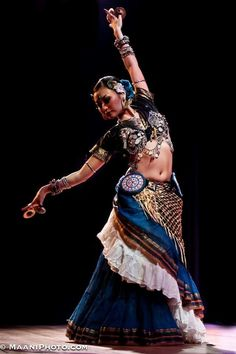 ATS - Maho Beaumont tribal bellydancer from London, UK