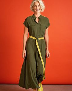 Dresses can be cool, too – as this dress can confirm in the trendy utility look. Contrast bands and a belt accent the sporty style. Alternatively, wear this as a long blouse paired with narrow trousers. Burda Style Magazine, Dress Outfits, Casual Outfits, Shirt Dress Pattern, Camisa Formal, Dress Sewing Patterns, Sporty Style, Casual Looks, Ideias Fashion