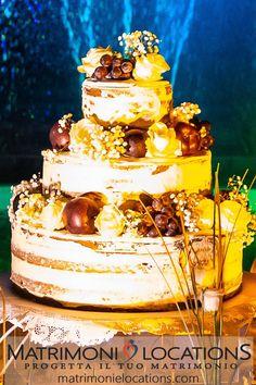 Una delle nostre splendide torte. Gli sposi hanno scelto di decorarla con mele, grappoli d'uva e fiori. #matrimonielocations #weddingcake #tortanuziale #torta #cake #tortamatrimonio #tortanozze #tortasposi #tortasposa #weddingcatering #banqueting #catering #food #buffet #sweet #dolci #dolce #buffet #appetizer #cibo #menu #menunozze #menumatrimonio #eat #weddingfood #eventcatering Buffet, Wedding Cakes, Desserts, Wedding Gown Cakes, Tailgate Desserts, Deserts, Cake Wedding, Postres, Dessert