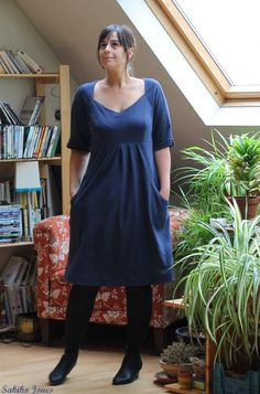 "Simplicity pattern, ""amazing fit"" collection (1800): i made it smaller since I used some interlock Cotton jersey, but it's still two sizes too big... I don't care that much : it's comfy and I love it!"