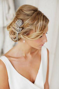 coiffure mariage avec accessoire à cristaux #coiffure #mariage #chignon #wedding #hair