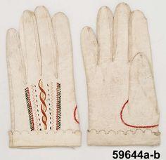 Handskar, Begåvningshandskar Produktion 1809 Brukningsort: Sverige (SE)  Småland  Västbo hd  Långaryd Identifier NM.0059644A-B Nordiska museet