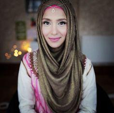 How to accessorize Hijab @pearldaisyltd, Amenakin Hijab