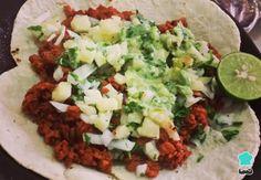 Aprende a preparar Soya al pastor con achiote con esta rica y fácil receta. La comida mexicana está llena de sabores y uno muy característico es el de las famosas preparaciones al... Surimi Recipes, Endive Recipes, Ayurveda, Achiote Recipe, Pesco Vegetarian, Coffe Recipes, Crohns Recipes, Jucing Recipes, Mackerel Recipes