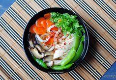 Zupa po japońsku z makaronem udon i kurczakiem