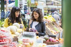 Melissa and Jasmine Hemsley talk clean eating, calorie counting and supermarket courgetti Eating Well, Clean Eating, Healthy Eating, Healthy Food, Jasmine Hemsley, Hemsley And Hemsley, New Tv Series, Instagram Worthy, Calorie Counting