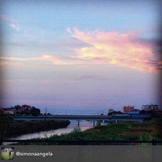 #sognodiunanottedimezzaestate #myrimini #myer #raccontarimini #romagna #rimini #ponte #sun #cielo #treno #love