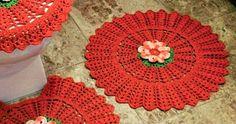 Tapetes em Crochê   banheiro em crochê     Jogo de tapetes  em crochê para o banheiro, interessante  para as amigas que estão iniciando  ...