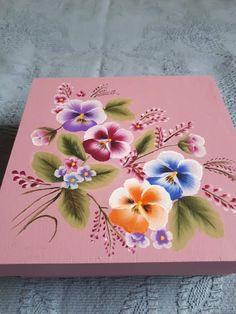 One Stroke Painting, Tole Painting, Fabric Painting, Painted Boxes, Hand Painted, Donna Dewberry Painting, Fabric Paint Designs, Art And Craft Videos, Flower Pot Crafts