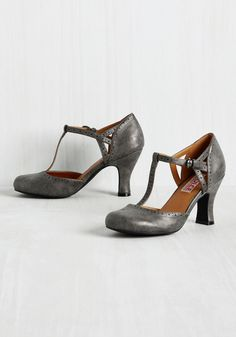 Aspiring Architect T-Strap Heel. An interview for your first big design gig prompts you to flaunt these dark grey T-straps to showcase your aesthetic savvy. #grey #modcloth
