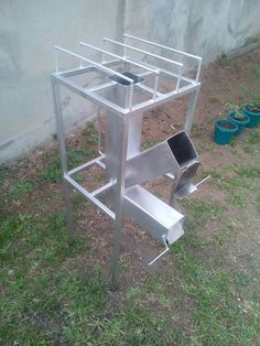 Rocket Stove Design, Diy Rocket Stove, Rocket Stoves, Custom Metal Fabrication, Welding And Fabrication, Vintage Industrial Furniture, Metal Furniture, Barbecue, Outdoor Cooking Stove