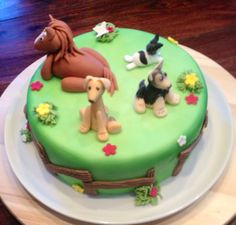 Animal Cake Three dogs and a horse
