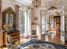 Flowers For Home Decoration Elegant Home Decor, Elegant Homes, French Apartment, Paris Apartment Interiors, Apartment Layout, Apartment Living, Parisian Decor, French Style Homes, Classic Interior