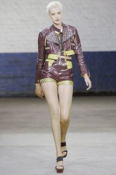 Fashion East Fall 2020 Ready-to-Wear Fashion Show - Vogue Fashion Show, Fashion East, Mens Fashion, Vintage Style Outfits, Women Swimsuits, Kids Outfits, Ready To Wear, Vogue, Menswear