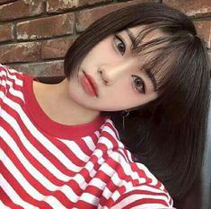 Imagem de korean, ulzzang, and girl Korean Beauty, Asian Beauty, Soft Grunge Hair, Ulzzang Makeup, Uzzlang Girl, Cute Korean, Korean Girl, Korean Ulzzang, Girl Short Hair