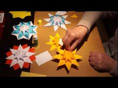 papierowe gwiazdki Nice paper stars for Christmas decorations Origami 3d Star, Origami And Kirigami, Origami Ball, Diy Origami, Paper Origami Flowers, Origami Paper, Origami Boxes, Origami Instructions, Origami Tutorial
