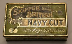 Skipper-Brand-British-Navy-Cut-Hinged-Lid-Vented-Tin-Richard-Lloyd-amp-Sons