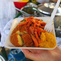 10. This acarajé in Brazil: | You Can Get All Of This Insanely Delicious Street Food Around The World...