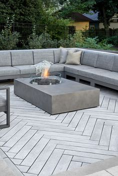 Love the look of wood planks for your deck or patio but don't want the maintenance? Our Borealis patio slabs look & feel like wood but are made of concrete paving slabs! Concrete Backyard, Concrete Patio Designs, Backyard Patio Designs, Backyard Landscaping, Patio Ideas, Colored Concrete Patio, Stone Patio Designs, Patio Slabs, Outdoor Flooring