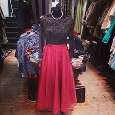 Stunning red skirt and gold sparkle stripped jumper. Skirt size 6 £18. Jumper size 12 £14. #skirt #jumper #gold #1950s #50s #sparkle #stripped #grease #eveningwear #glamourous #style #stylish #trend #fashion #vintagefashion #vintageguruscotland #vintage #retro #byresroad #glasgowwestend #twitter #tumblr