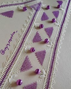This Pin was discovered by Sül Crotchet, Crochet Top, Diy And Crafts, Arts And Crafts, Crochet Borders, Needle Lace, Hand Embroidery, Origami, Cross Stitch