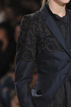 Dries Van Noten at Paris Fashion Week Spring 2012 - Details Runway Photos Estilo Tomboy, Fashion Details, Fashion Design, Fade To Black, Fabric Manipulation, Jason Wu, Mixing Prints, Paris Fashion, Stylish Outfits