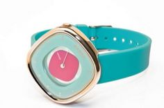 Love the color combo. Wonder if the dial rotates?