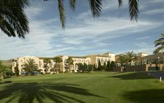 Promotion for Easter in La Manga CLub (5 days and 4 nights) Hotel Principe Felipe 5 * includes: - 4 nights accommodation in double room - Breakfast at Amapola Restaurant - 2 rounds of golf in North and West golf course. Price per person: € 350