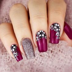 33 Super Pretty Flower Nail Designs For Copy - Nail Designs # Nail # Nail . Beautiful Nail Art, Gorgeous Nails, Pretty Nails, Flower Nail Designs, Fall Nail Designs, Spring Nail Art, Spring Nails, Art Rose, Cute Nails For Fall