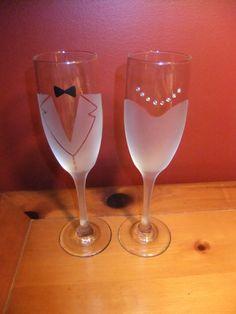 Novia y el novio helado copas de Champagne por JLeighR en Etsy