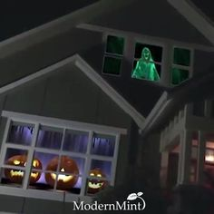 Halloween Home Decor, Outdoor Halloween, Diy Halloween Decorations, Halloween House, Holidays Halloween, Halloween Crafts, Happy Halloween, Haunted Halloween, Halloween Entryway