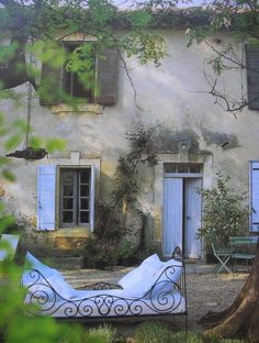 Is it the light of the time of day? This is beautiful image muted yet rich all it needs is friends and family over meals and fun with laughter.sba  Provence