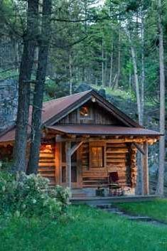 Cabins And Cottages: Log cabin Small Log Cabin, Tiny House Cabin, Little Cabin, Log Cabin Homes, Cozy Cabin, Log Cabins, Mountain Cabins, Mountain Homes, Cabin In The Woods