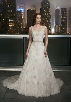 Wedding Dress Photos - Find the perfect wedding dress pictures and wedding gown photos at WeddingWire. Browse through thousands of photos of wedding dresses. Wedding Dresses Photos, Wedding Dress Styles, Dream Wedding Dresses, Bridal Dresses, Wedding Gowns, Tulle Wedding, Sparkle Wedding, Wedding White, Mermaid Wedding
