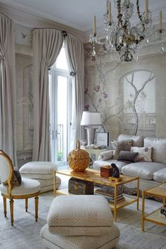 For the 2016 Kips Bay Decorator Show House in Manhattan, Alex Papachristidis settled on a restrained palette of silver, plum, and gold for this glamorous take on a dining room. Read more about elegant work in Photo by Phillip Ennis. Decorating Ideas For The Home Bedroom, Interior Decorating, Home Decor, Formal Living Rooms, Living Room Decor, Living Spaces, Dining Room, Classic Interior, Home Interior Design