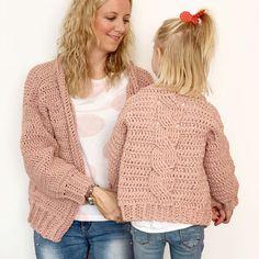 ¿Te atreves a tejer un jersey en punto arroz? Crochet Cable, Crochet Diy, Crochet Girls, Crochet Woman, Crochet Baby Sweater Pattern, Baby Sweater Patterns, Crochet Cardigan, Crochet Patterns, Maxi Cardigan