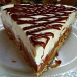 Φανταστικο διχρωμο μπισκοτογλυκο τουρτα με ζαχαρουχο και merenda απο την Σοφη Τσιωπου Cheesecake, Daddy, Desserts, Food, Tailgate Desserts, Deserts, Cheesecakes, Essen, Postres